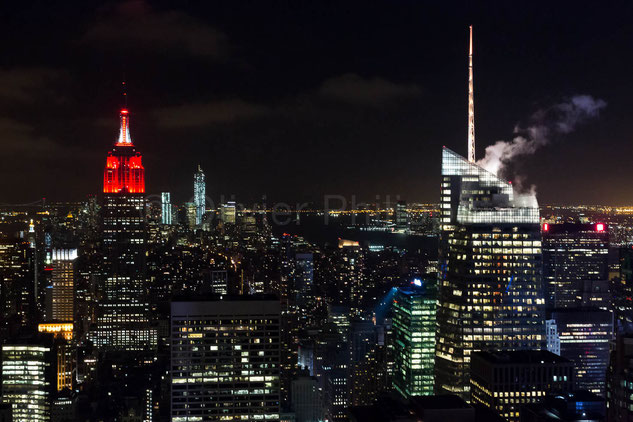 Red Empire State Building  - New York - USA © Olivier Philippot