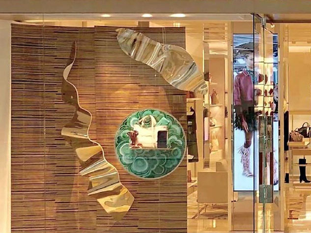 PLV pour vitrine maroquinerie Longchamp