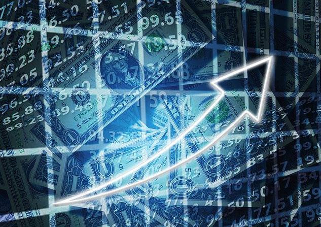 Zahlen, Dollarscheine, steigender Pfeil