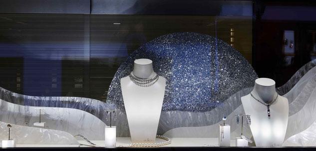 conception creation, set design decor scénographie, retail, vitrine luxe joaillerie