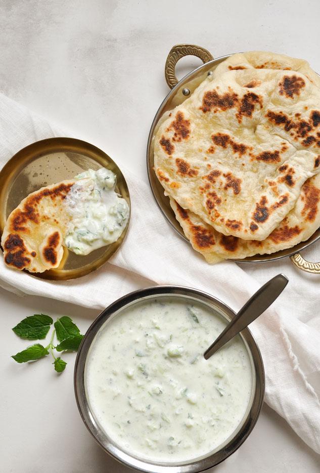 Garlic Cheese Naan und Gurken Raita, vegetarisch, vegan möglich, Thermomix