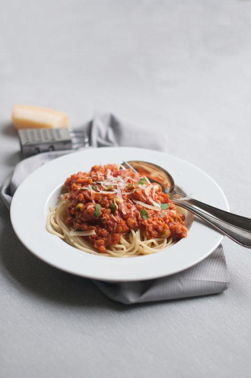 Linsenbolognese aus dem Thermomix, vegane Bolognese, Bolognese zu Nudeln oder Reis, Bolognese Linsen Frühlingszwiebeln Tomaten Thermomix