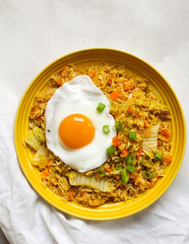 Nasi Goreng mit Spiegelei, vegetarisch, Thermomix