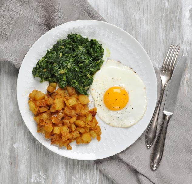 Falsche Bratkartoffeln mit Spinat und Ei