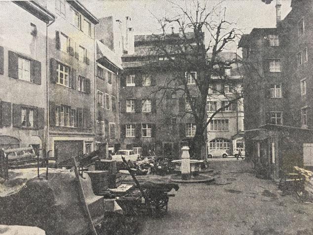 1970er heruntergekommene Andreasplatz, zu  früheren Zeiten noch als Abstellraum genutzt