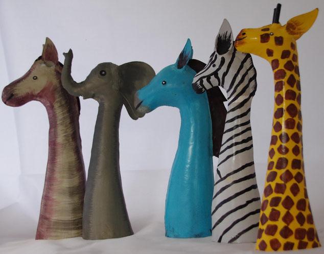 Tierköpfe auf Stab pferd , elefant , esel , zebra, giraffe