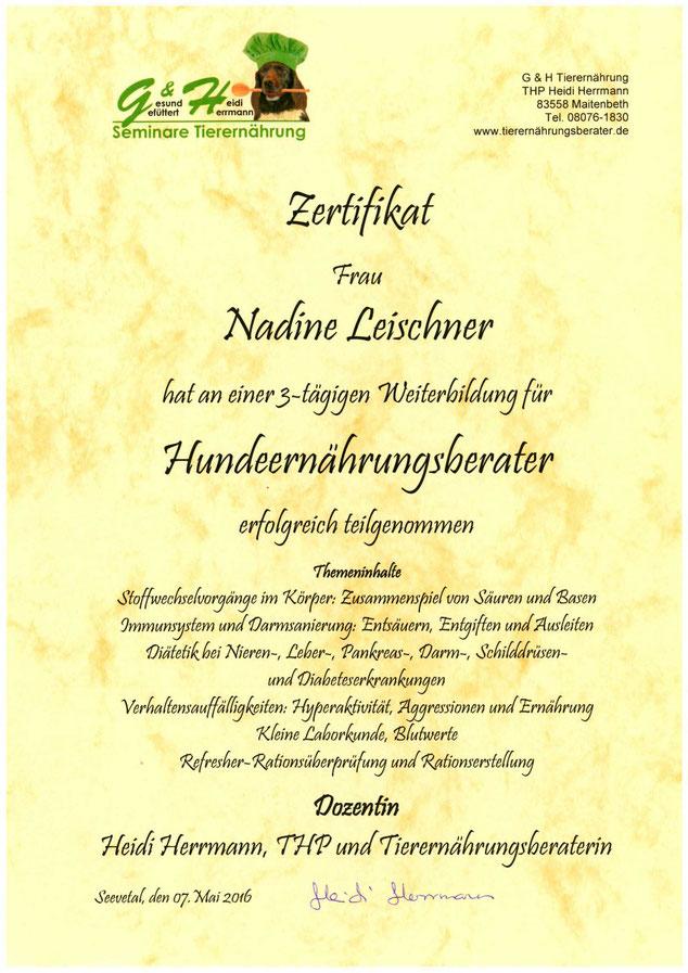 Weiterbildungs-Zertifikat Ernährungsberater Nadine Leischner