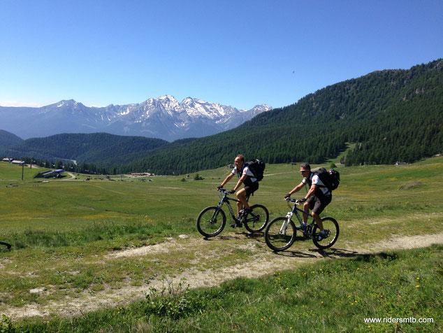 già annusiamo una sciata su queste piste che ad occhio sono davvero belle