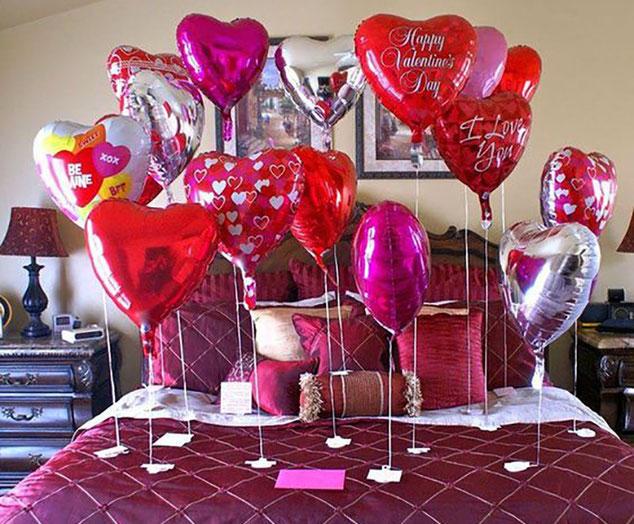 decoracion con globos para san valentin