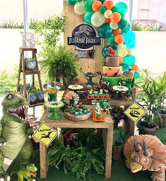 decoracion cumpleaños de dinosaurios