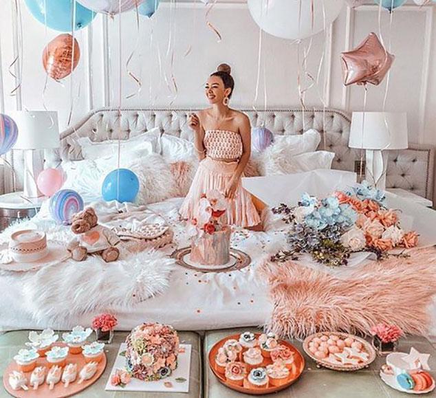 postres y torta para cumpleaños