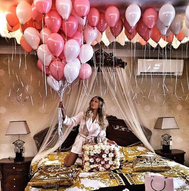 decoracion de cuarto con globos con helio