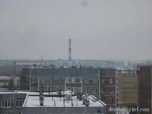 """На фото: вид на молокозавод """"Галактика"""" с 8 этажа на ул. Авиатриссы Зверевой"""