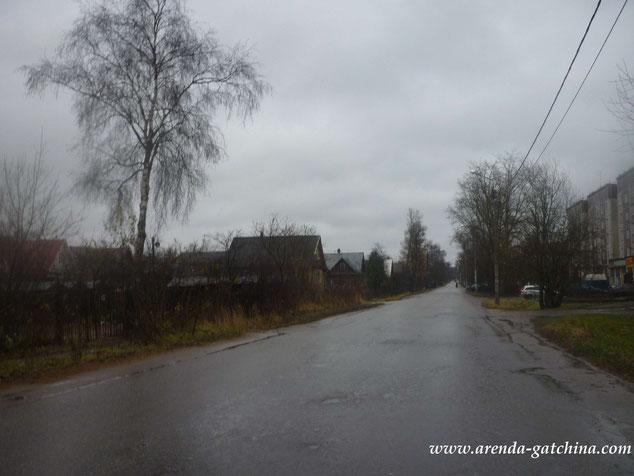 улица Куприна разделяет многоквартирный фонд от частного сектора