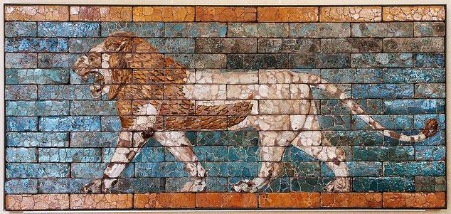 L'Empire néo-babylonien, et plus particulièrement son plus prestigieux représentant, le roi Nébucadnestar, a été instrument de Jéhovah Dieu d'exécuter sa condamnation sur son peuple en allant jusqu'à détruire Jérusalem et son Temple.