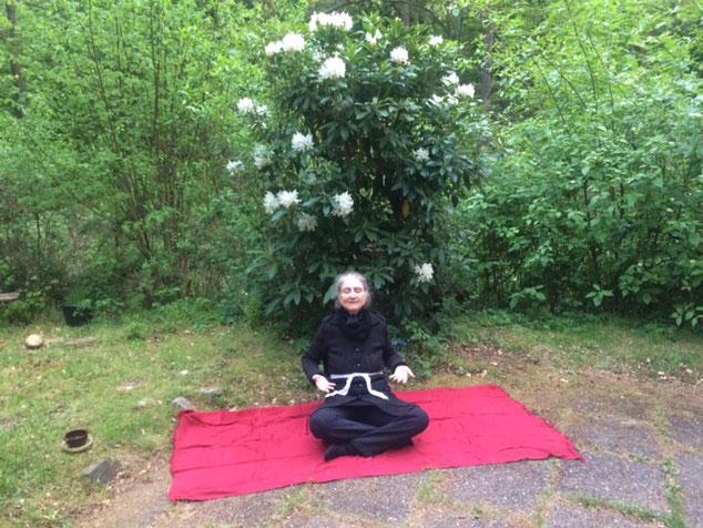 Nadabrahma, no centro de arte e meditação Osho Mani