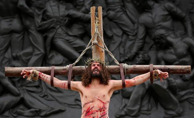 トラファルガー広場で毎年開催される無料演劇「The Passion of Jesus」(キリストの受難)