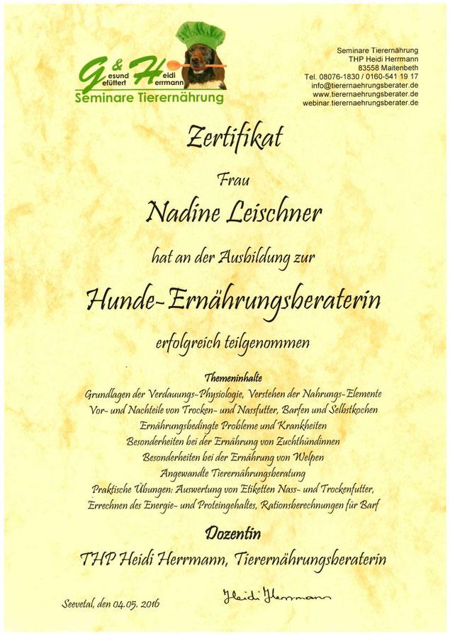 Zertifikat Ernährungsberater Nadine Leischner Hundeschule Hakuna Matata