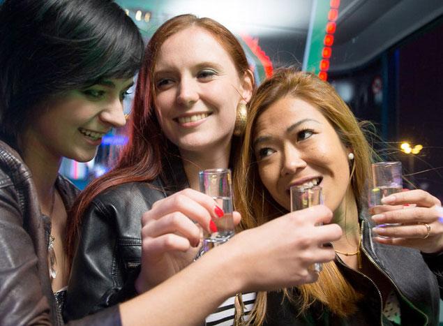 Feiern auf dem Stuttgarter Volksfest mit Has & Spatz