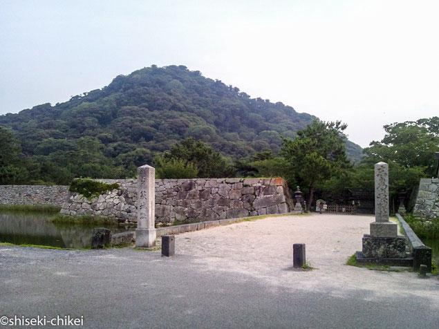 史跡萩城址 後ろに指月山