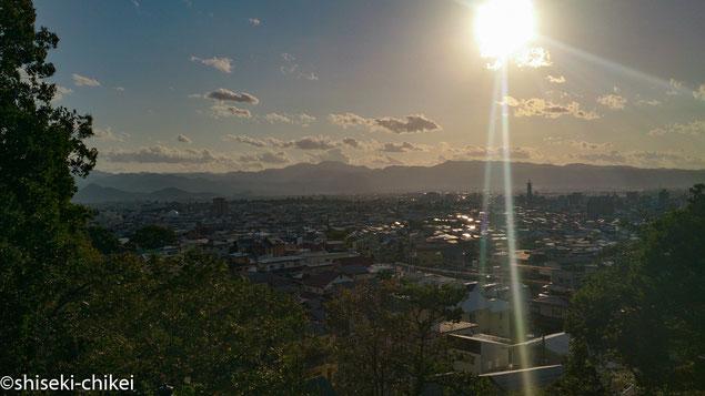 飯盛山から会津若松城(鶴ヶ城)方向を望む
