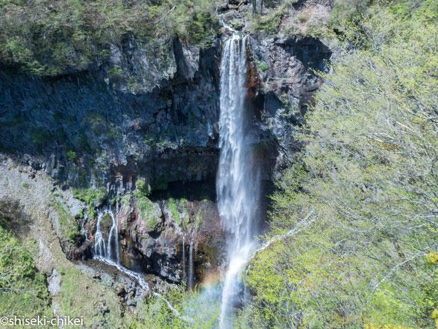 華厳の滝 水量がかなり少ないとか・・