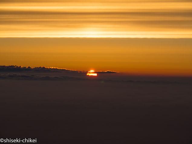 初富士山ながら幸運にも見事なご来光