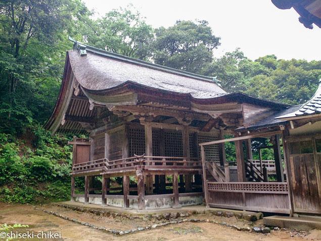 気多神社本殿。三間社流造。国の重要文化財。