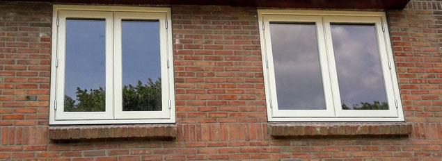 Schilderen kozijnen ramen deuren en isolatieglas plaatsen in Leiden