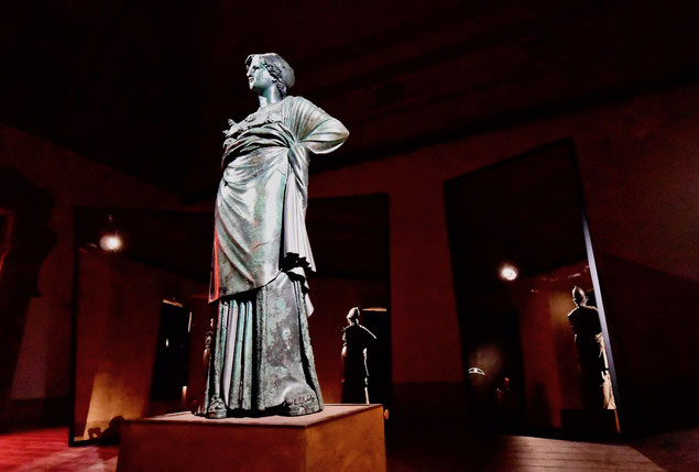Minerva, Arezzo, Athena, Fraternità dei Laici, piazza grande