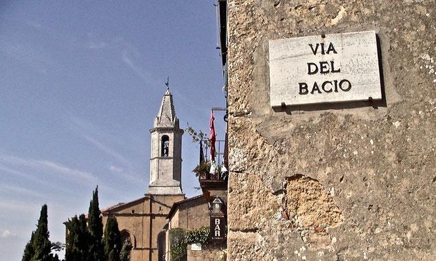 Via del bacio, kiss street, Pienza, Val d'Orcia, Siena, Italy, Toscana, Tuscany