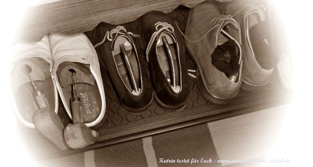 Schuhabtropfunterlage aus Kunststoff - nicht gerade schick oder ?