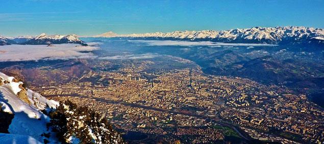 Vue sur l'agglomération grenobloise depuis le sommet du Moucherotte (source: Bertrand93)