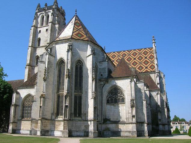 Église de Brou, vue arrière, par une journée d'été (source: Semnoz)