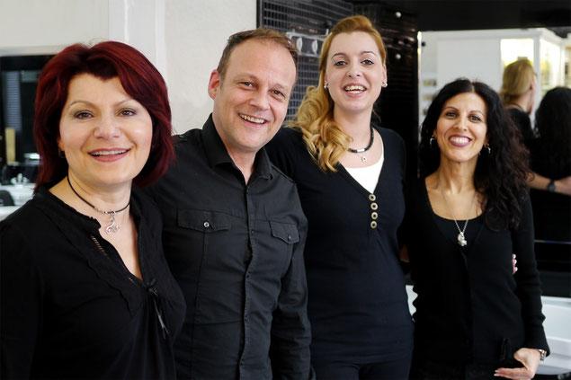 Teamphoto Zoe, Axel, Melanie und Lucia