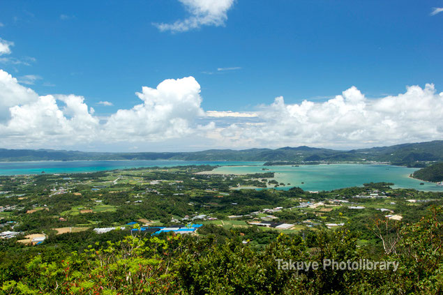 屋我地島と羽地内海 沖縄の風景