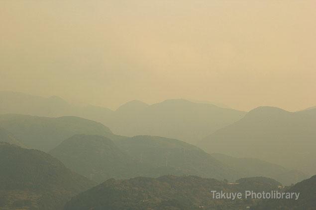 猿葉山の稜線 長崎 千々石(ちぢわ)観光センター展望台からの眺望
