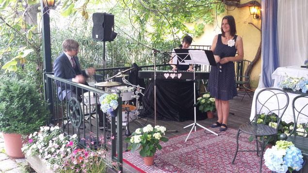 heart. beat. Hochzeitsmusik im Grünen