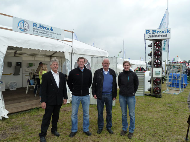 Bild von links 1. Wolfgang Naber 2. Carsten Brook 3. Rudolf Brook 4. Anke Brook