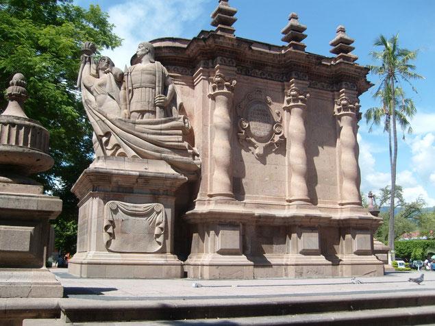 イグアラ市の中央広場
