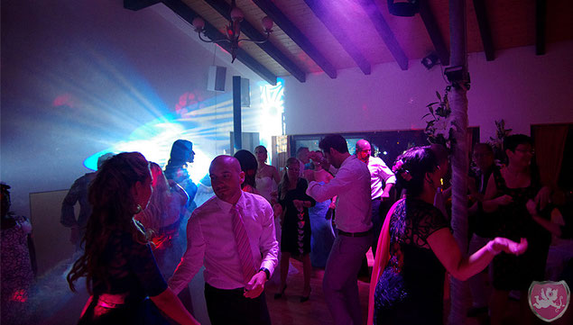 Tanzfläche Hof Wiesengrund Hochzeit DJ Benz