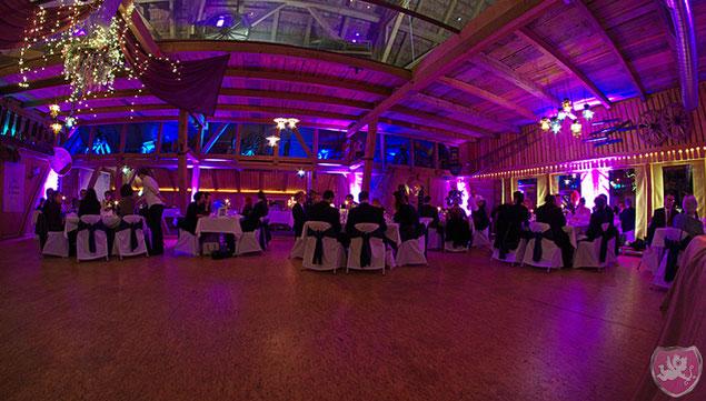 Restaurant Rössli Säriswil Kanton Bern Saal La Ferme Hochzeit Heiraten Wedding DJ Benz