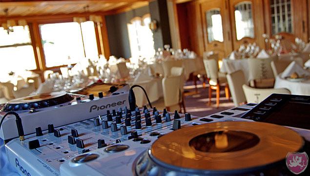 Hotel Flora Vitznau Heiraten Hochzeit DJ Benz