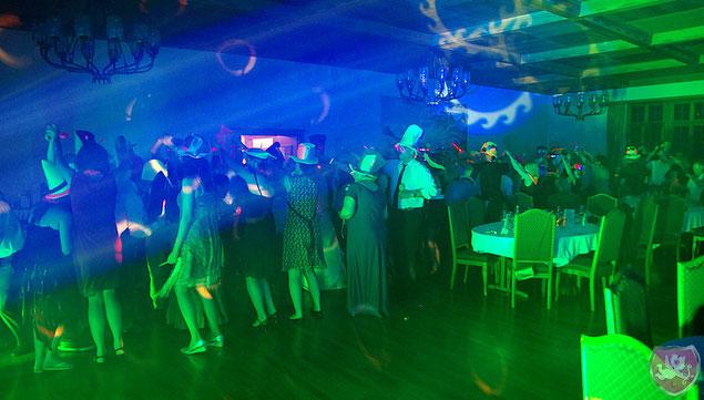 Schloss Brandis Hochzeit Party Hochzeits DJ Benz