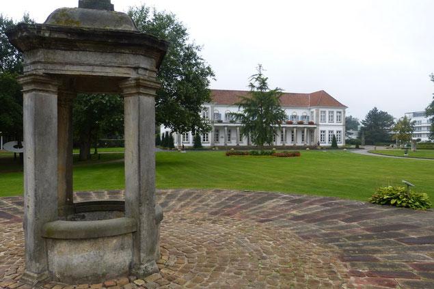 Kurhaus mit Brunnen in Bad Bentheim