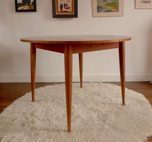 Joli, table teck, table scandinave, table années 60