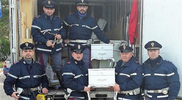 Ruba i mobili e fugge frosinone italia frosinone notizie for Mobili 4 frosinone