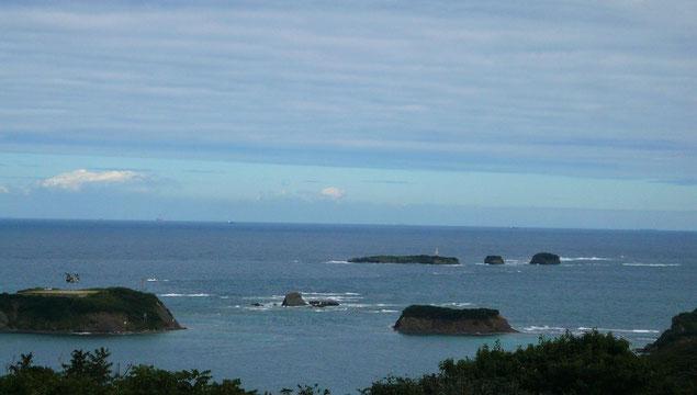 三ッ島    三ッ島灯台