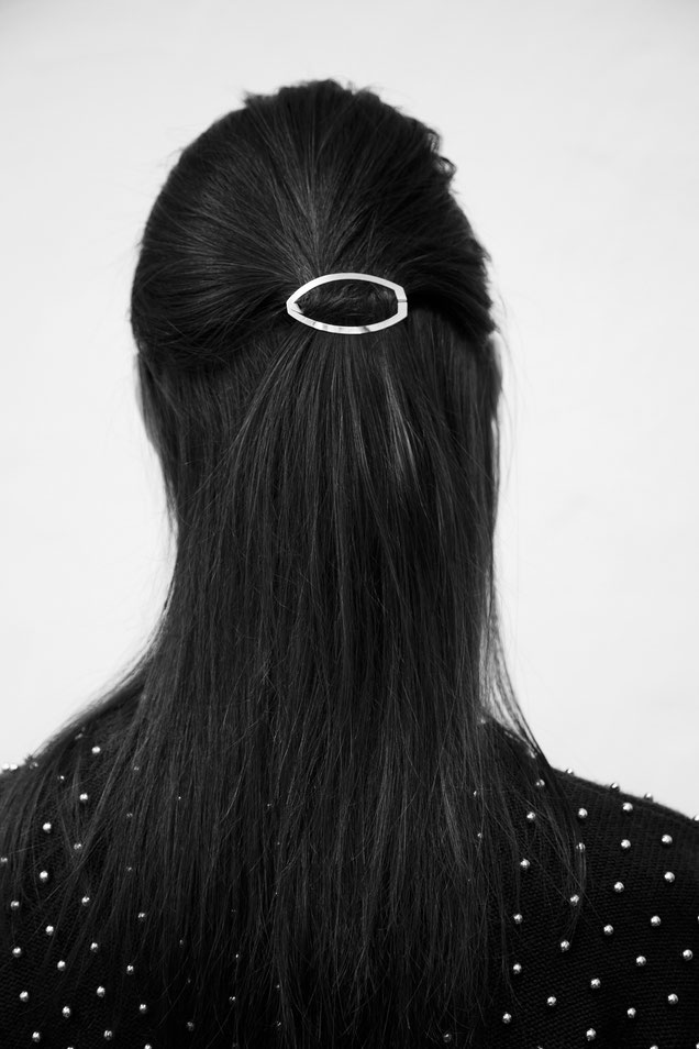 CLINQ Edition #01: LEONA; contemporary hair jewelry; hair clips