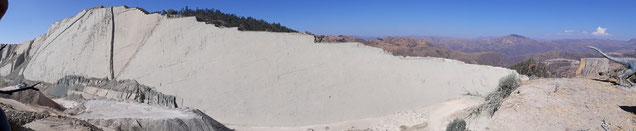 Mur aux 12000 empreintes de dinosaures